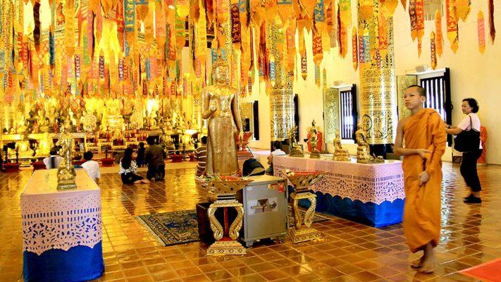 Salón de la asamblea o vihan del Wat Chedi Luang
