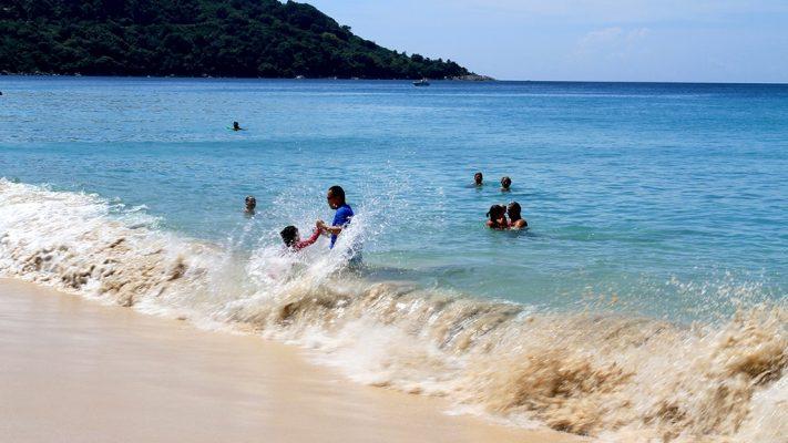 Kata Noi Beach.